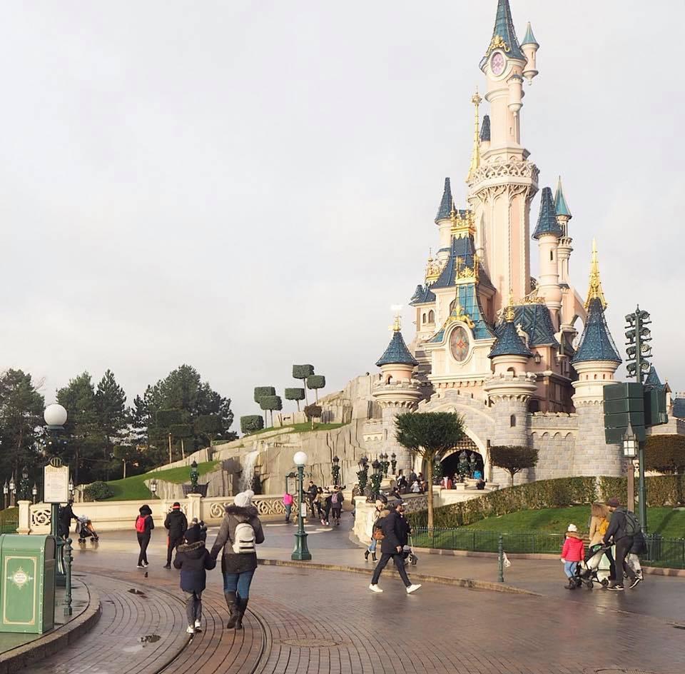 Disneyland Paris at Christmas - A Photo Diary - Stephanie Jayne ...
